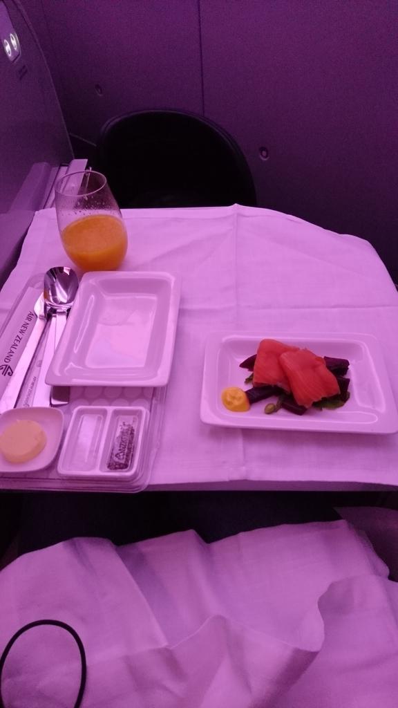 ニュージーランド航空 NZ289 オークランド 上海 ビジネスクラス ビジネスプレミア 機内食