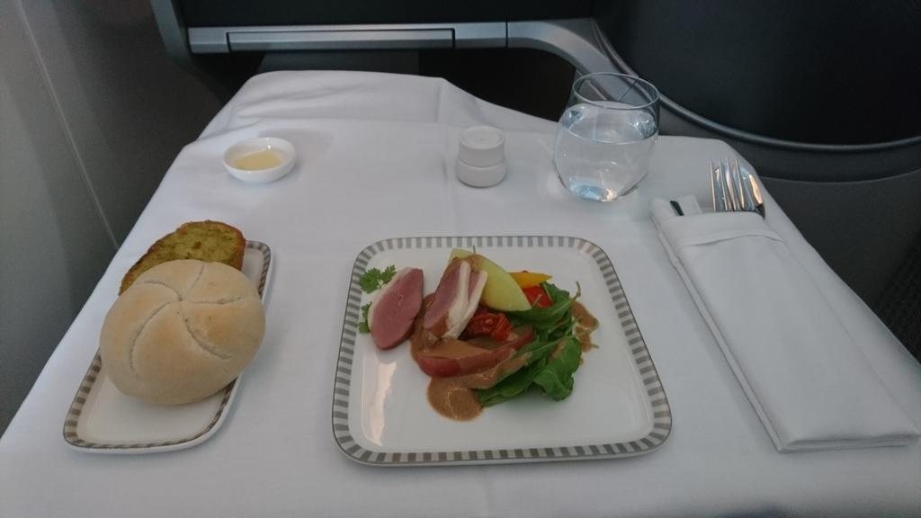 シンガポール航空 B787-10 ビジネスクラス SQ619 機内食