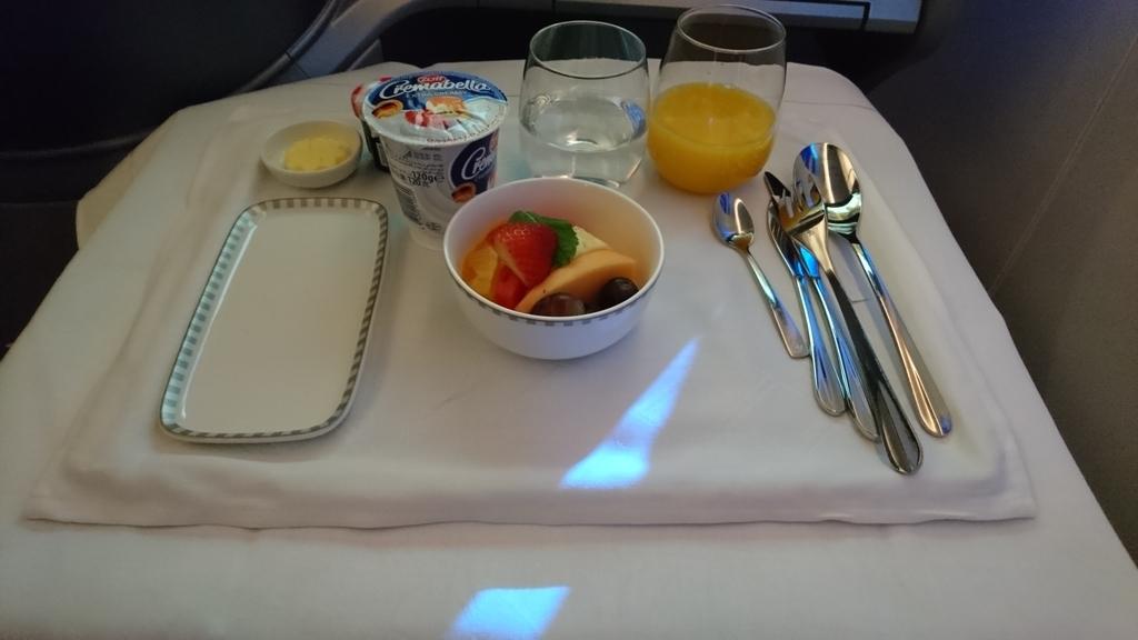 シンガポール航空 B787-10 ビジネスクラス SQ618 機内食 朝食