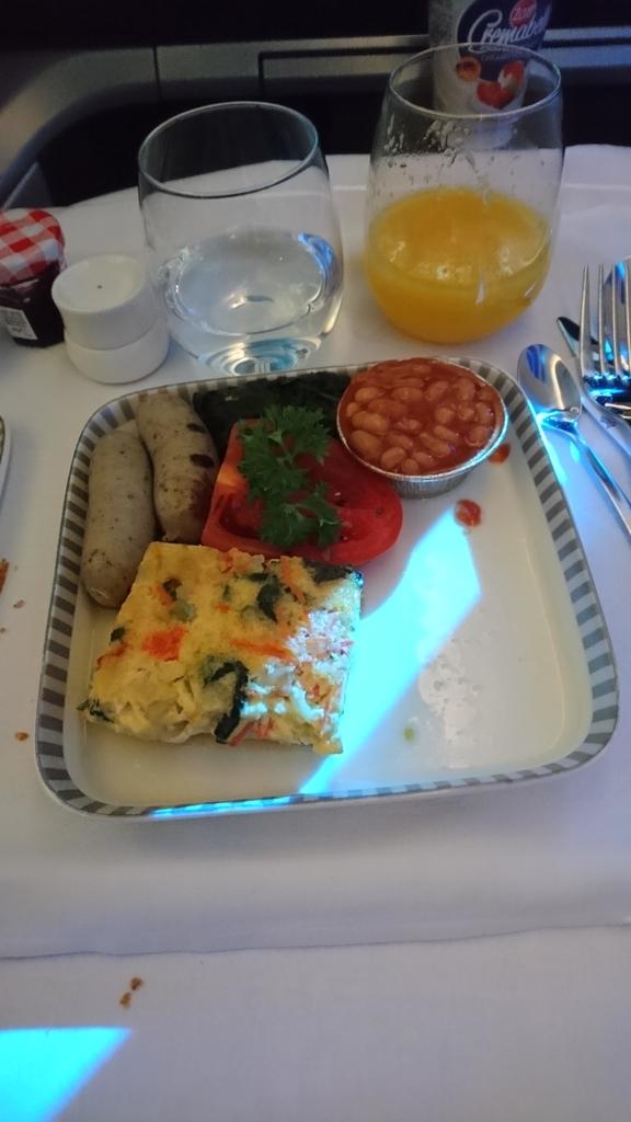 シンガポール航空 B787-10 ビジネスクラス SQ618 機内食 朝食 オムレツ