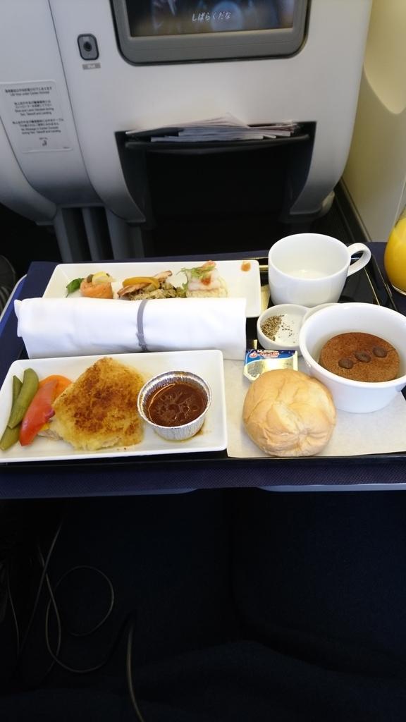 ANA 全日空 ビジネスクラス NH922 クレードル 機内食