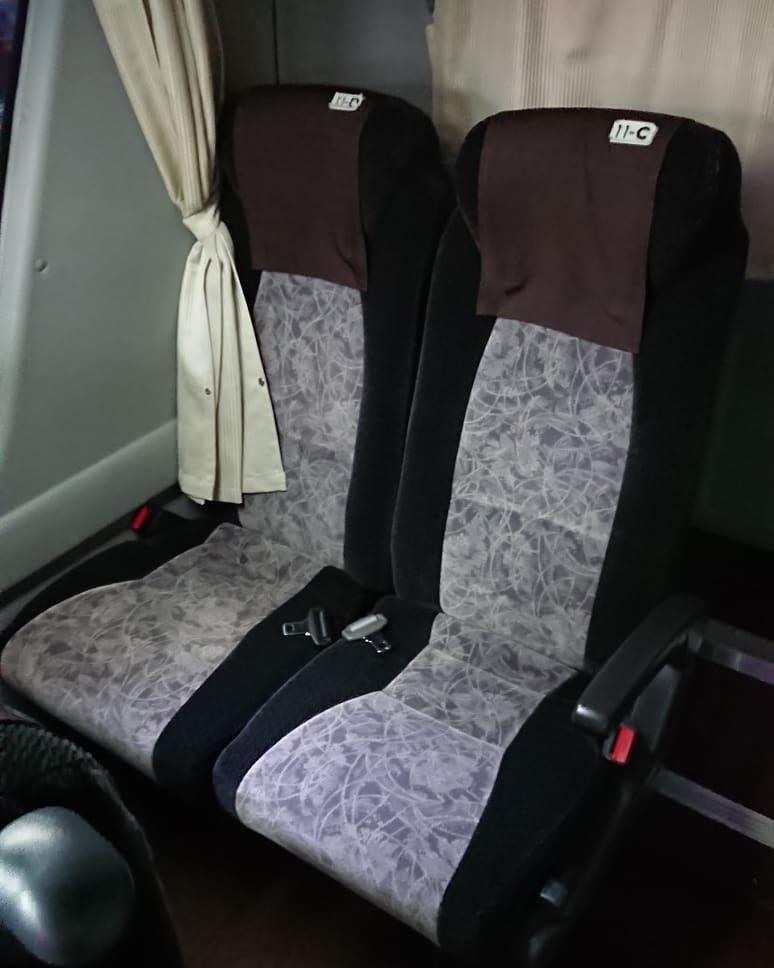 大分交通 とよのくに号 いすゞ ガーラ 座席 シート 4列シート
