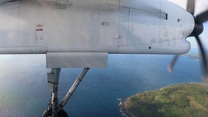 ANA ANA4693便 DHC8-Q400