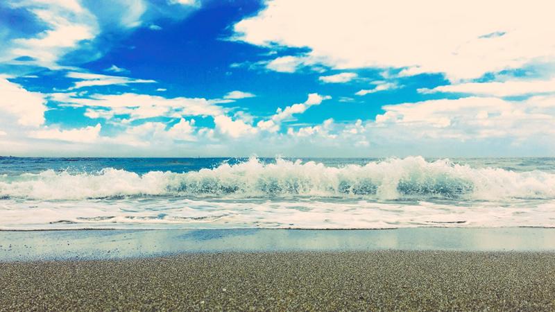 こちらは脇岬海水浴場の写真(補正強め)