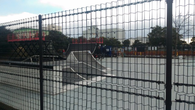 城南島海浜 スケート場