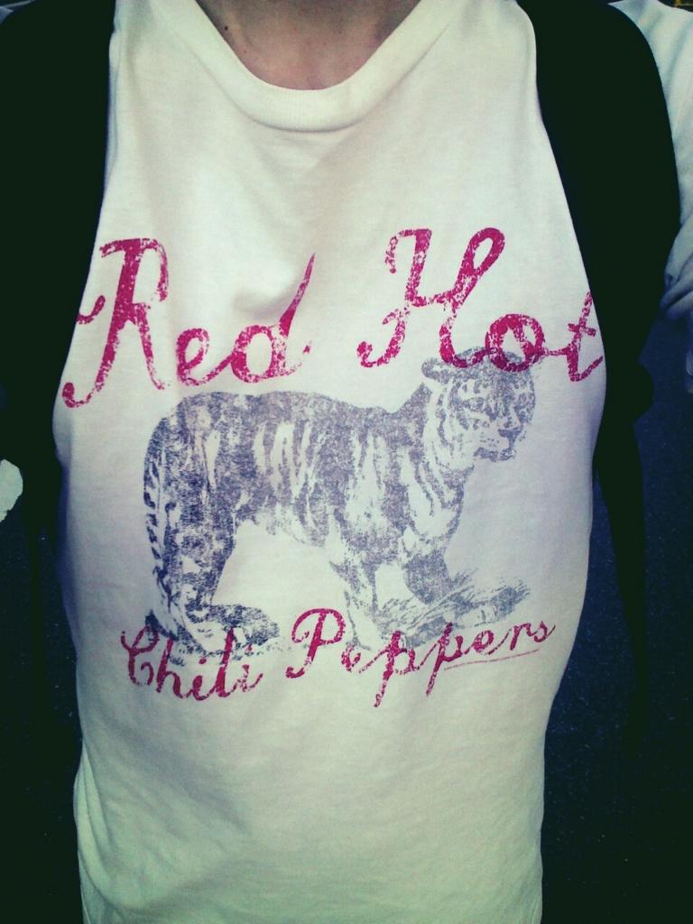 レッドホットチリペッパーズのTシャツ