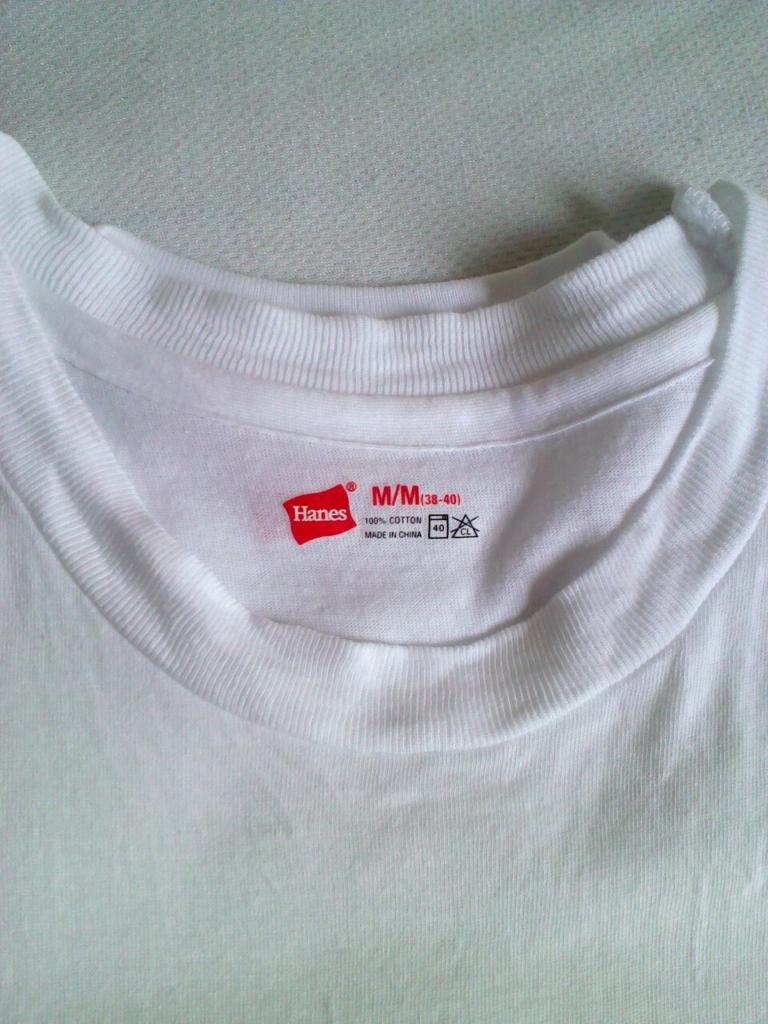 ヘインズの赤パックTシャツ