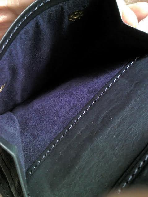 コルボのスレート二つ折財布の小銭入れ内部