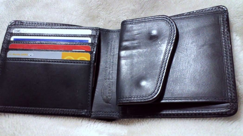 corbo. slateの二つ折財布
