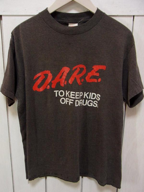 d.a.r.e. tシャツ
