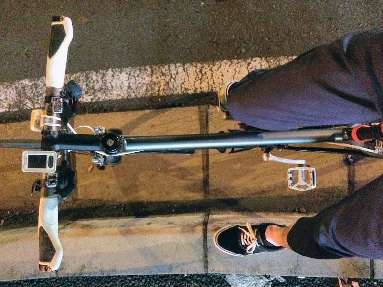 自転車に乗る際のボトムス