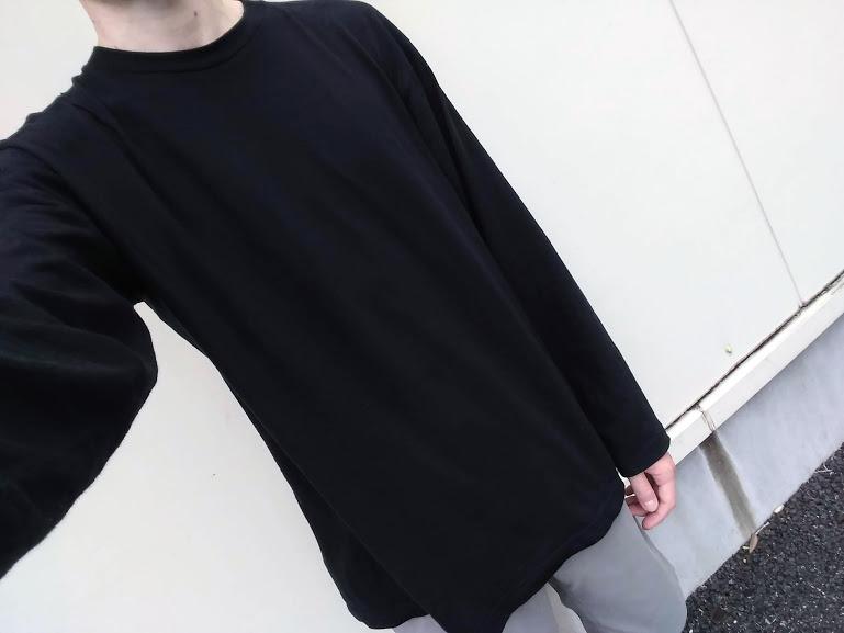 タッチアンドゴーのロングTシャツ着用画像
