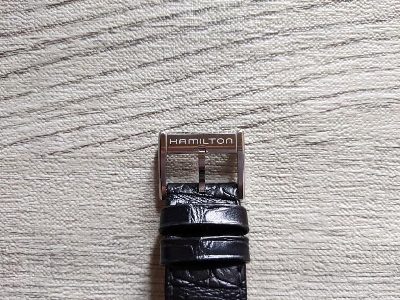ハミルトンのカーフレザーベルトの尾錠