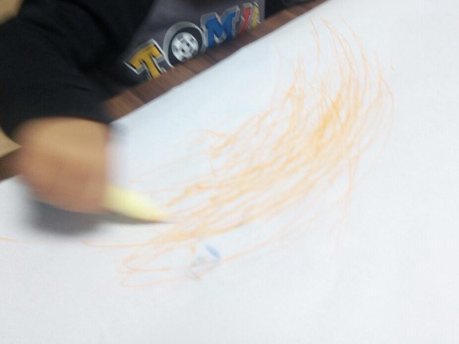 1歳半男児のお絵かき