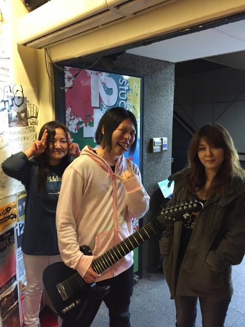 多弦ギターのギタリスト阪上直樹のバンド