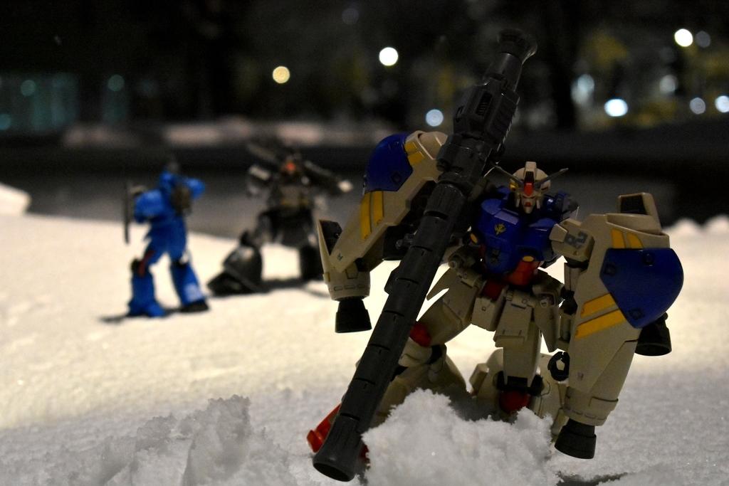 雪とガンプラ