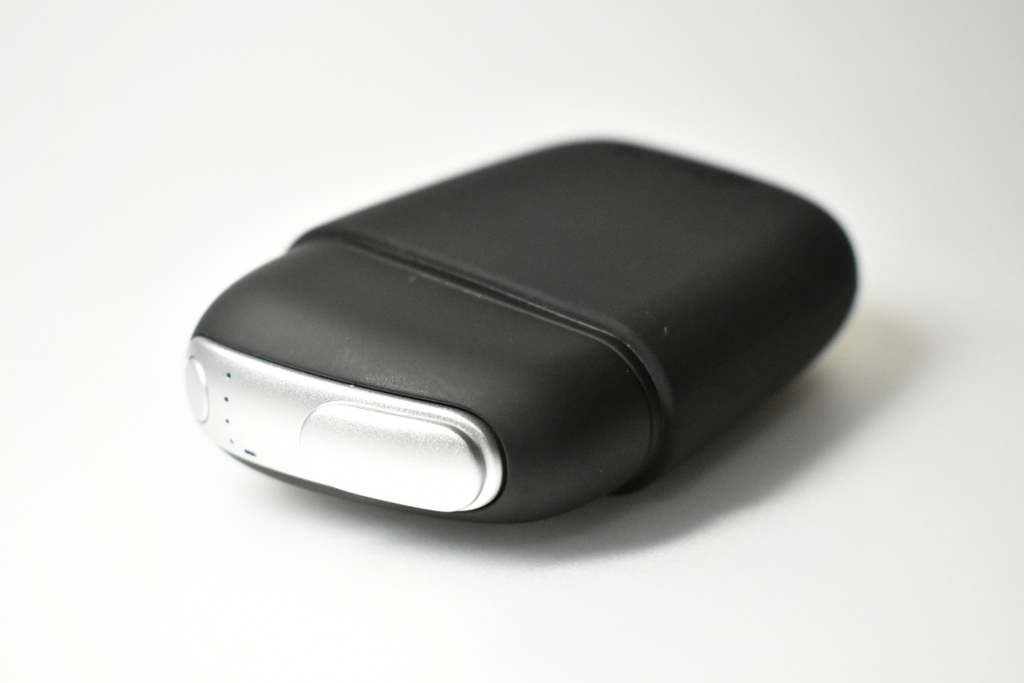 プルームS本体に専用デバイスカバーを装着させた状態の画像