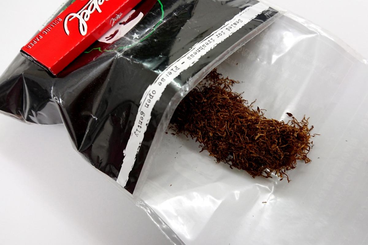 チェ・ブラックメンソールのたばこ葉