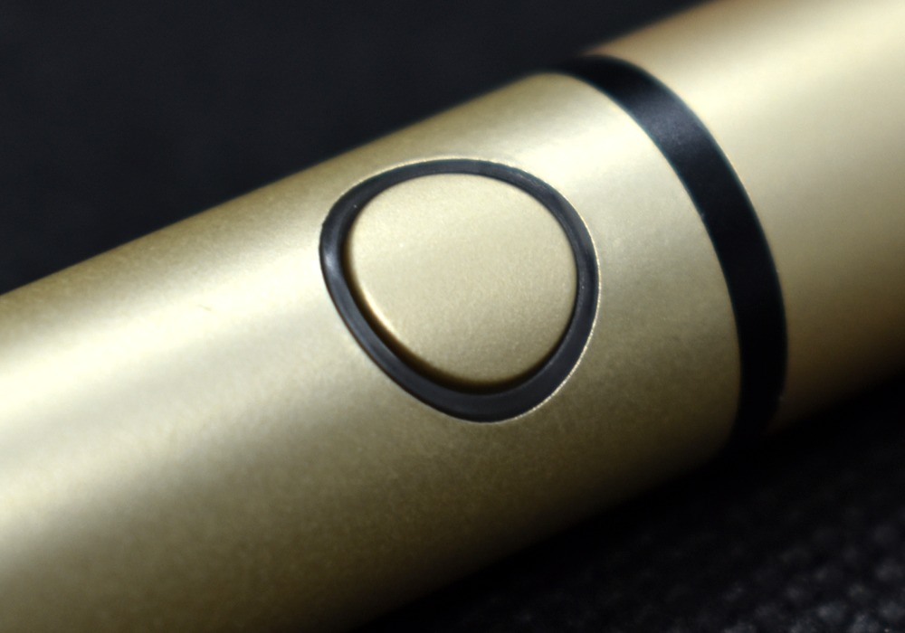 プルームテックプラス・シャンパンゴールド,ボタン画像