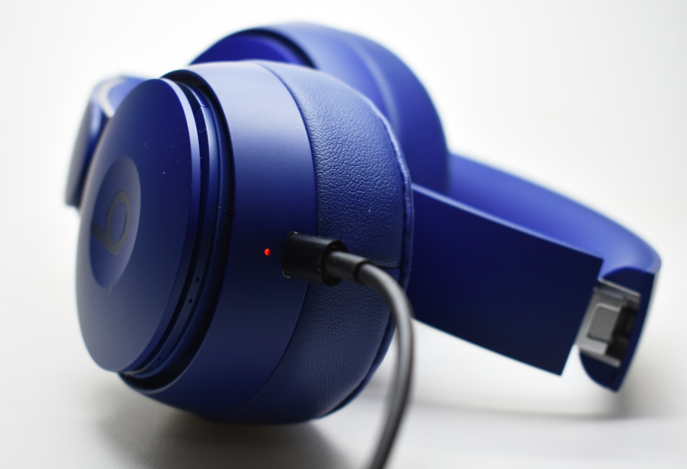 Beats,Solo Pro,ヘッドホン,充電