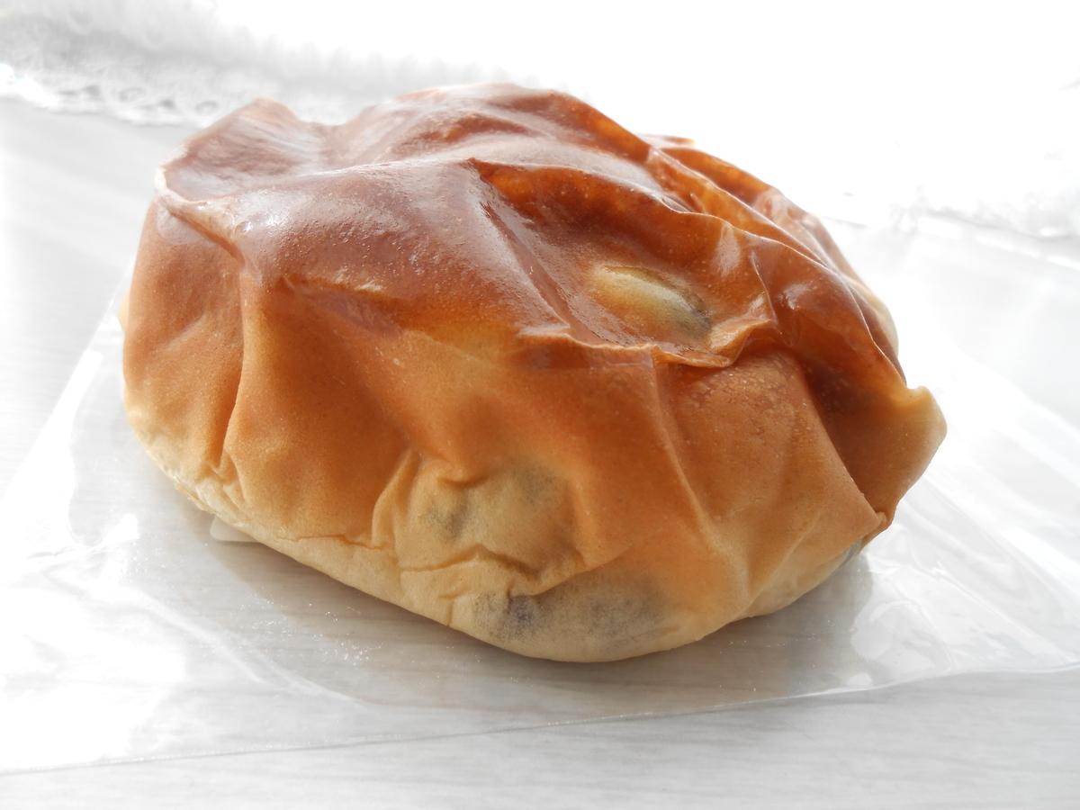ヤマザキ たっぷり豆パン 開封後 側面