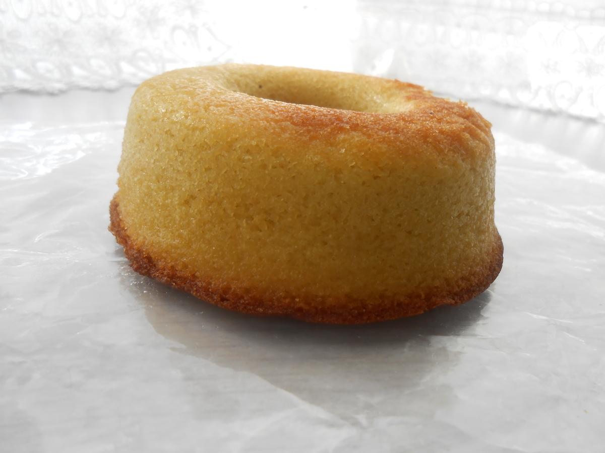 リョーユーパン(メゾンブランシュ) 焼きドーナツ(バナナ) 側面