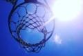 バスケットゴールと太陽
