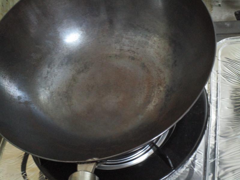 磨いた後の鉄製中華鍋