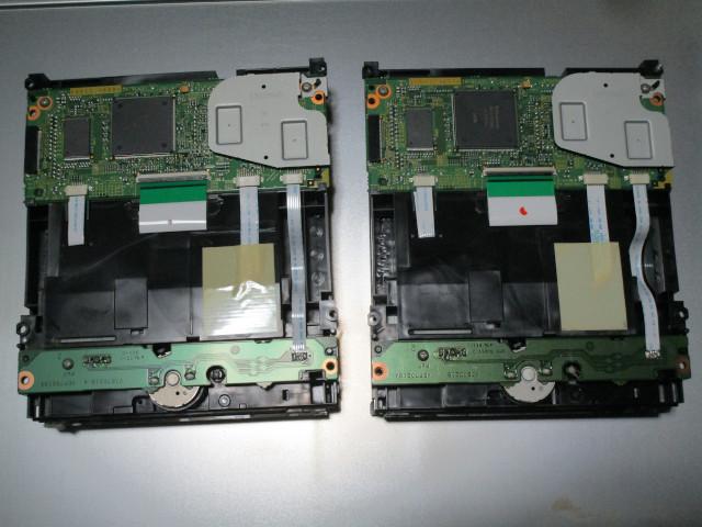 内蔵光学ドライブ VXY2027とVXY2011を並べた様子(裏面)