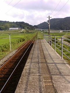 松浦鉄道西田平駅ホーム