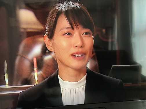 総支配人役の戸田恵梨香さん