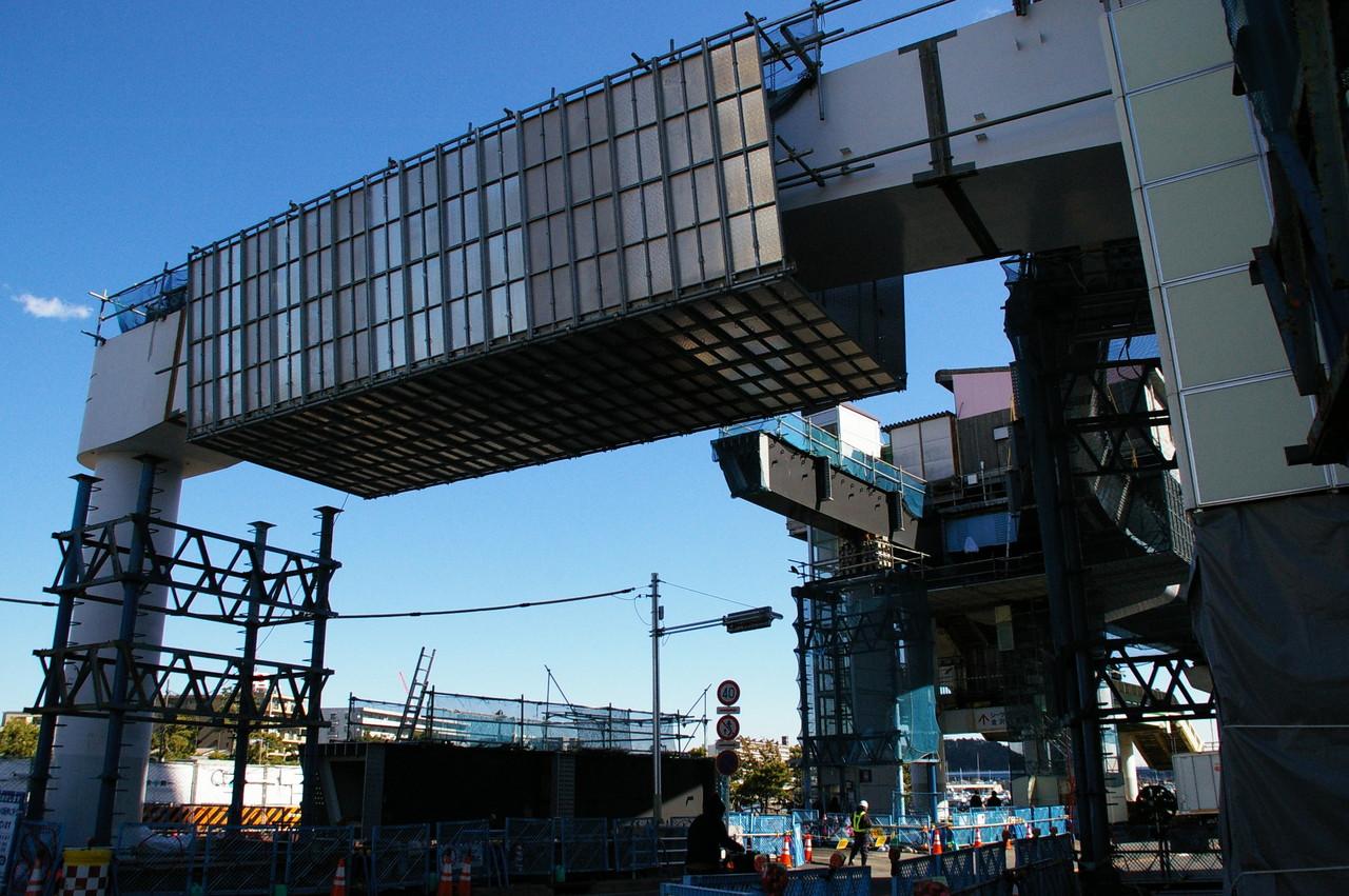 シーサイドラインの橋脚