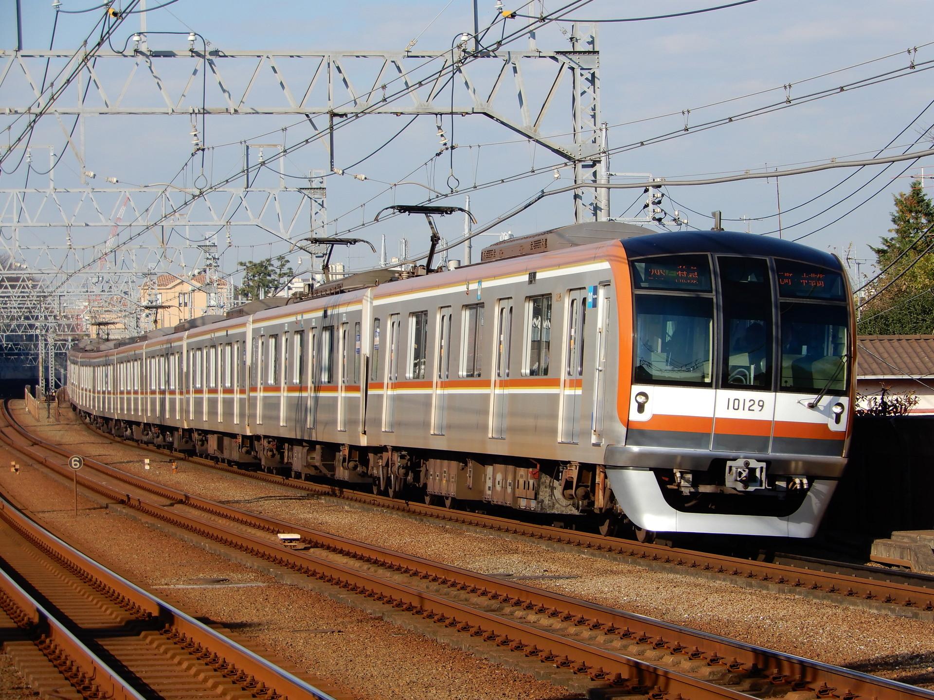 東京メトロ10000系