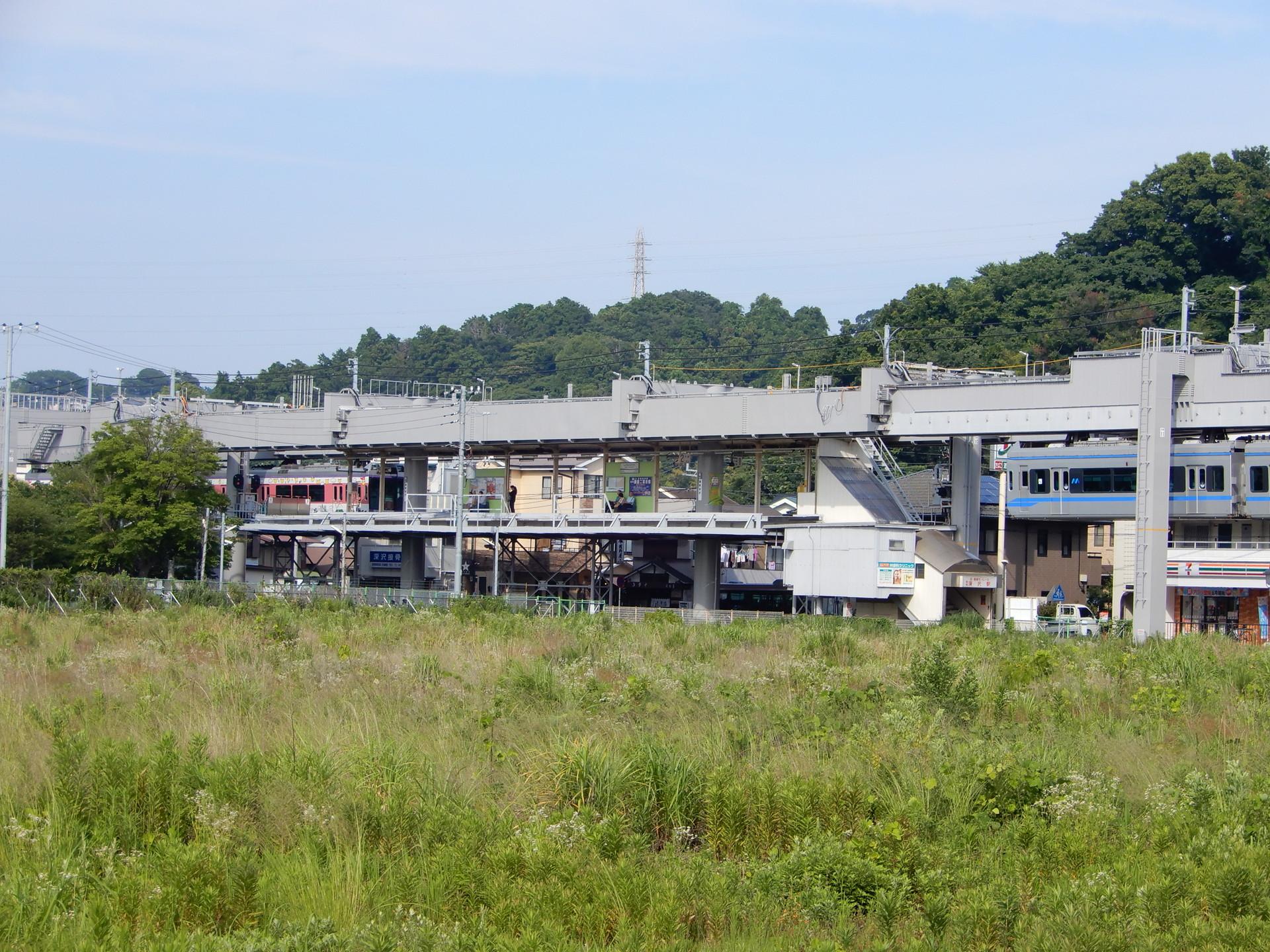 バリアフリー対応工事を控えた湘南深沢駅