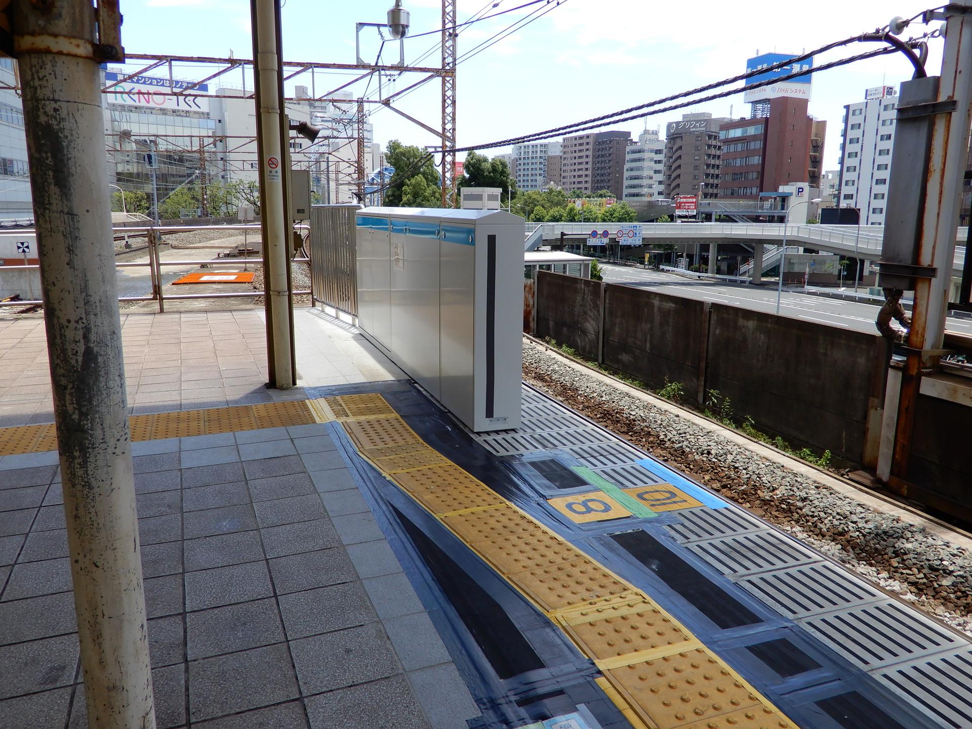 JR桜木町駅のホーム柵設置工事 北行ホーム取付済み部分