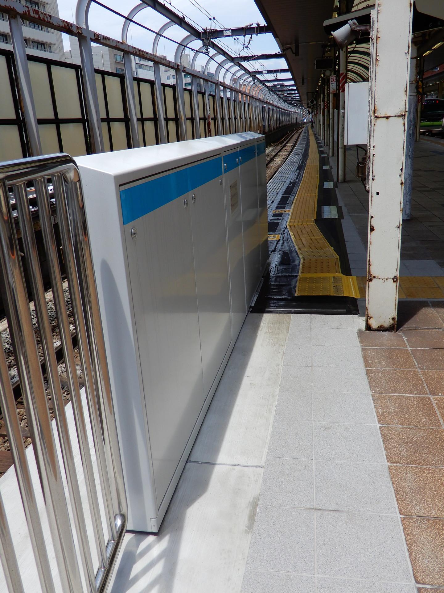 JR桜木町駅のホーム柵設置工事