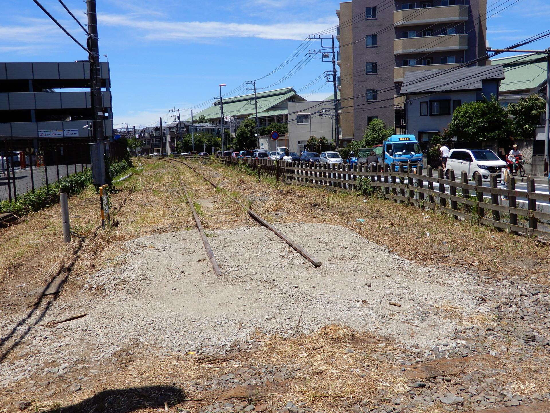 鎌倉武道館東付近のレール切断部分