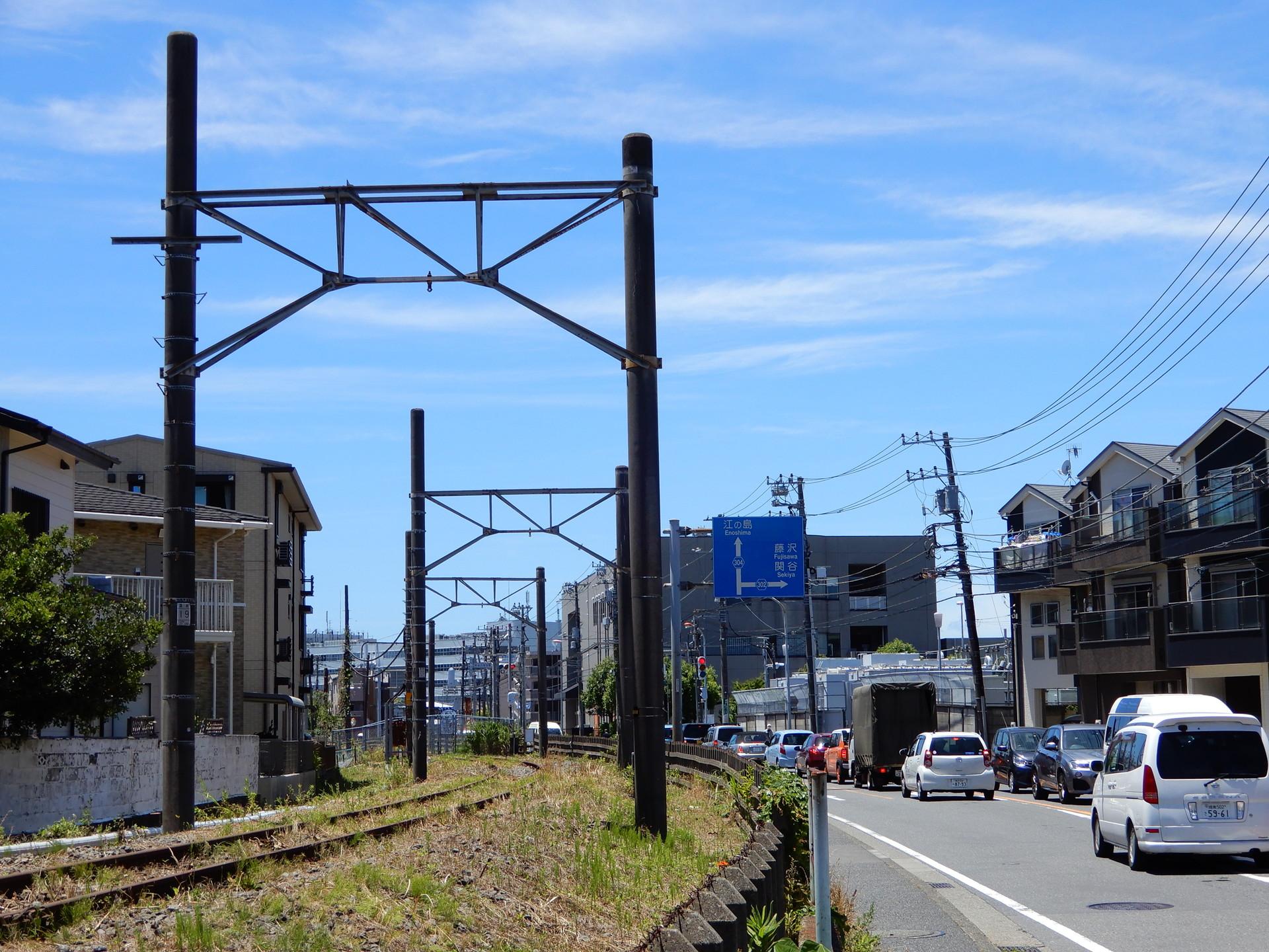 鎌倉武道館東付近の架線柱