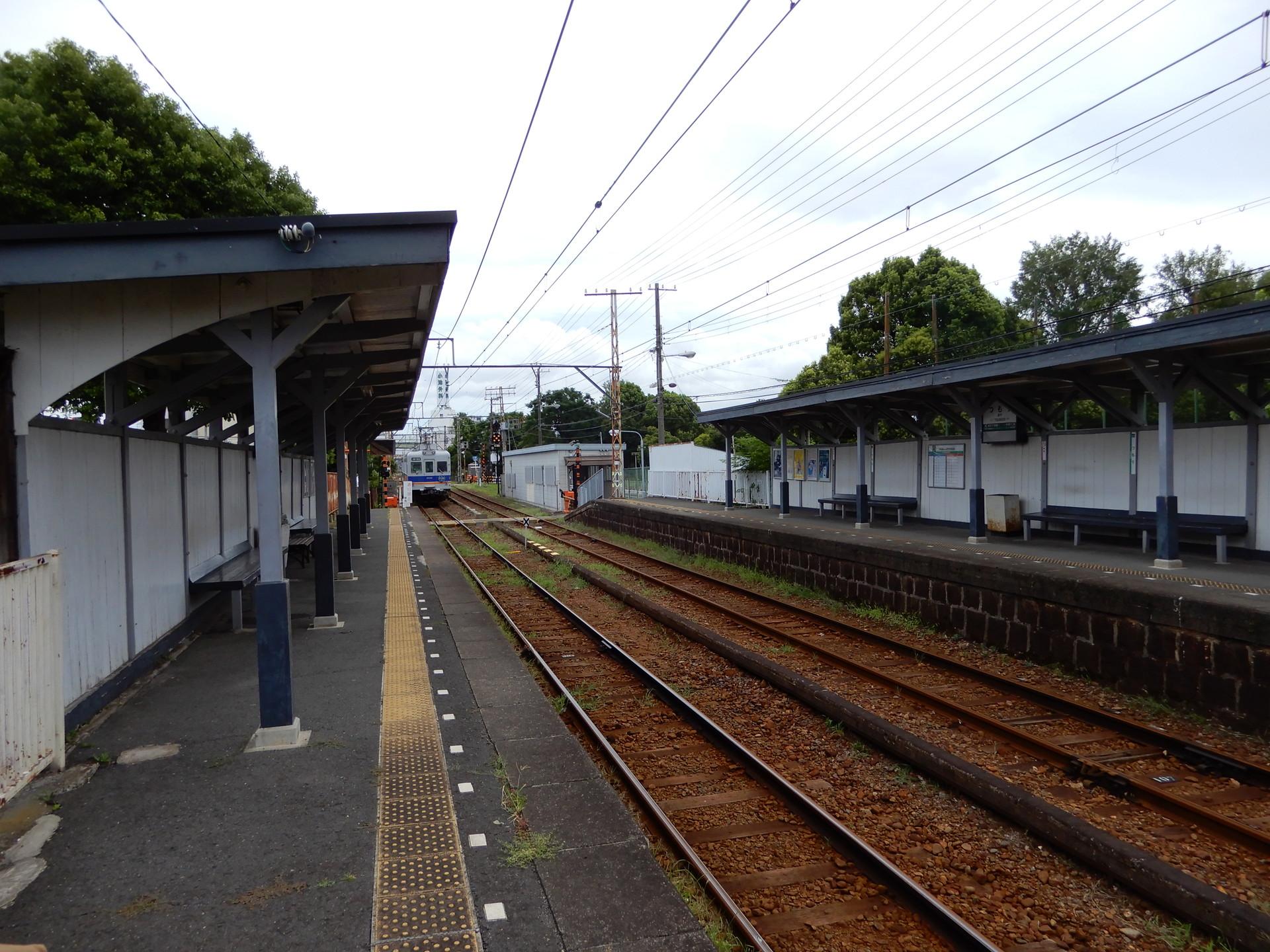 津守駅のホーム