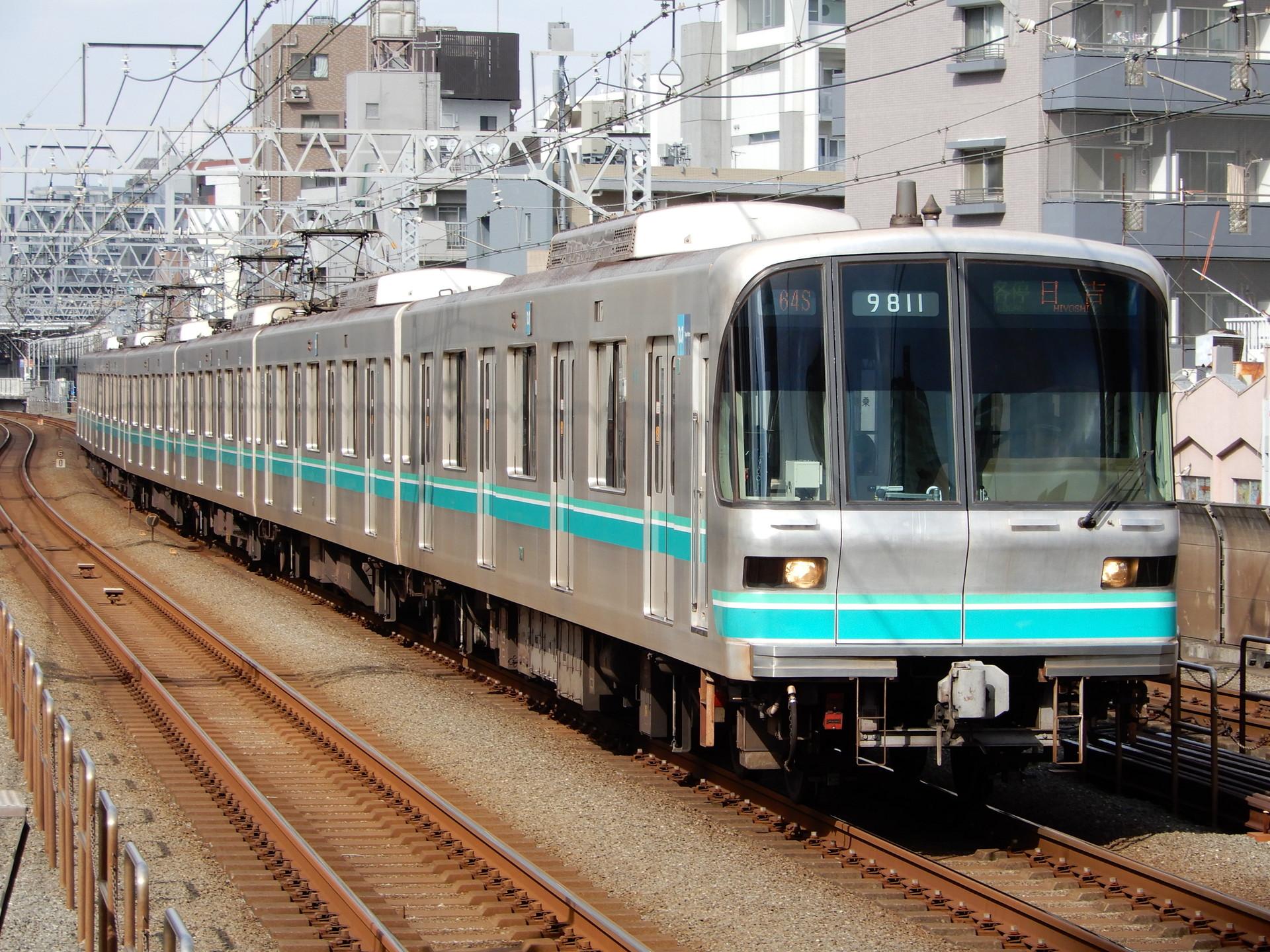 東京メトロ9000系11編成
