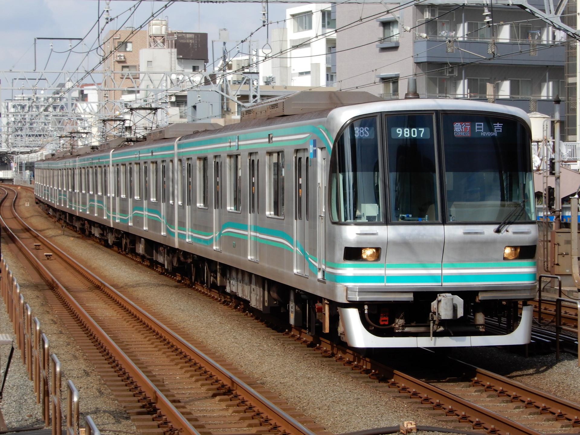 東京メトロ9000系07編成