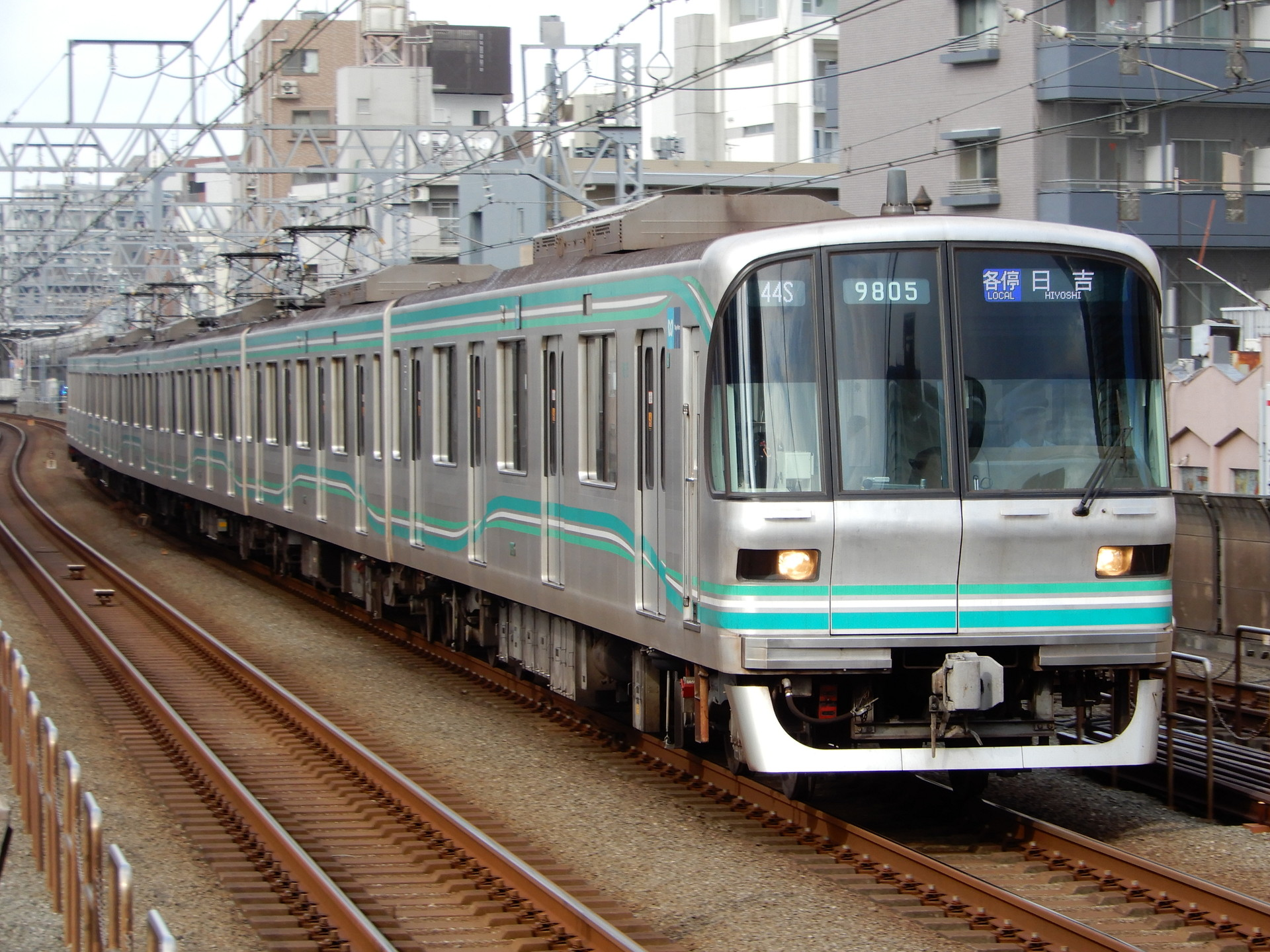 東京メトロ9000系05編成