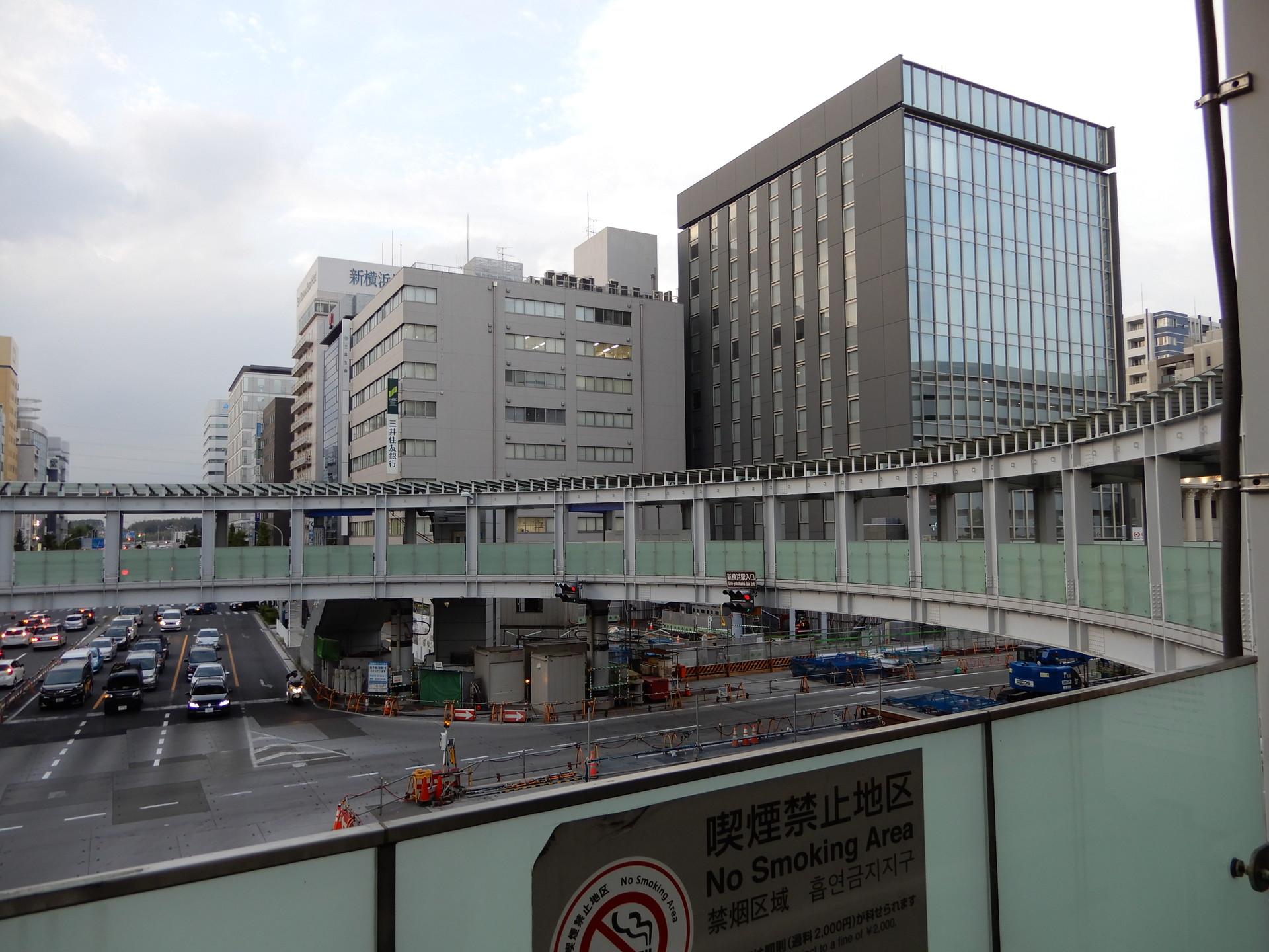 円形歩道橋の北東側の様子