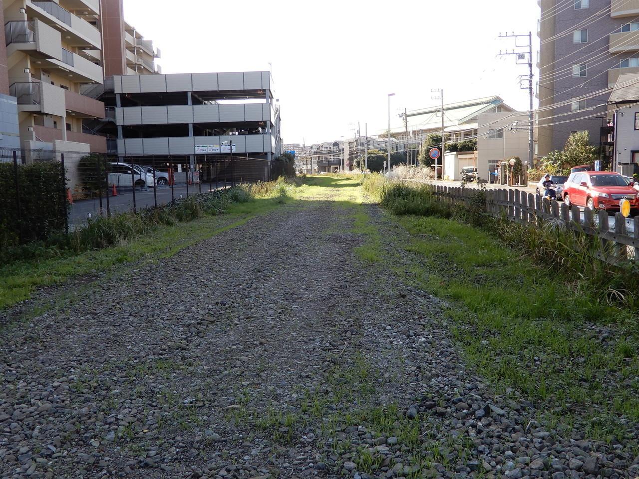 鎌倉武道館東側交差点の付近