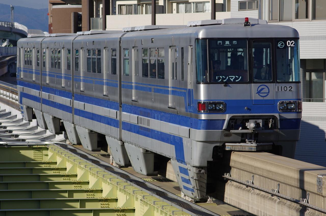 大阪モノレール1000系02編成