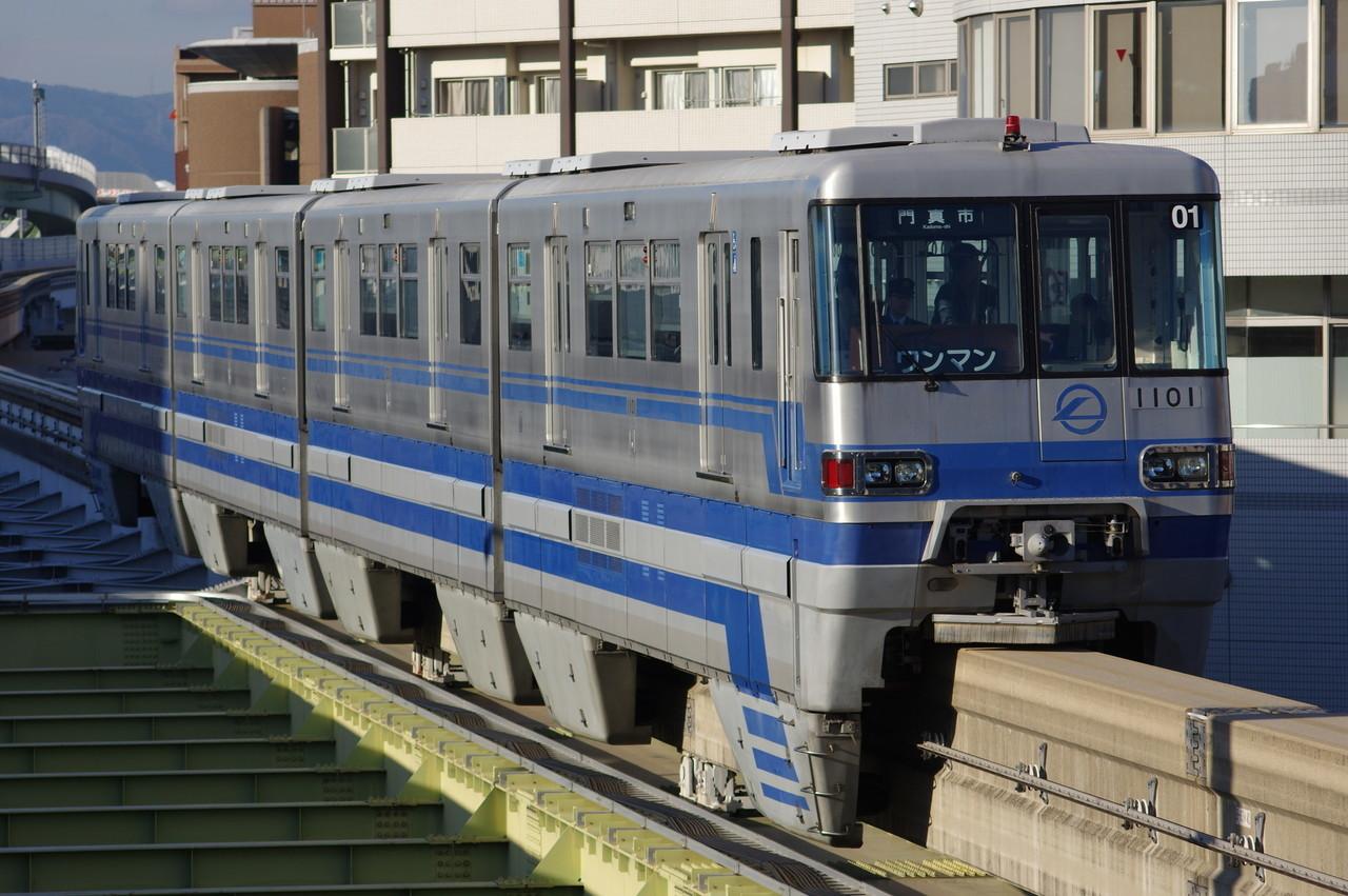 大阪モノレール1000系01編成