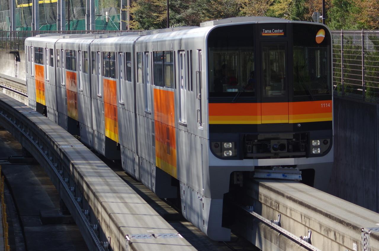 多摩モノレール1000系1114編成