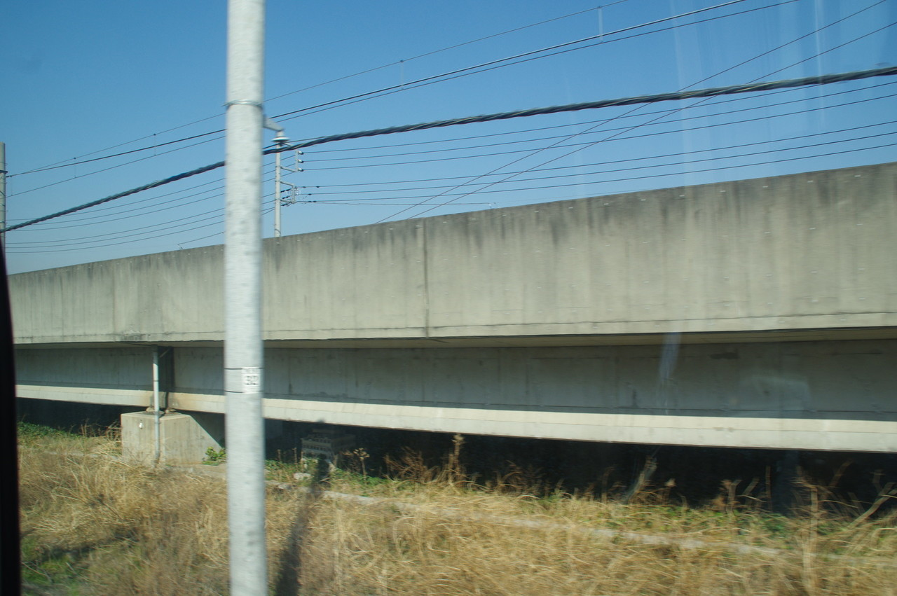 上り線の高架橋