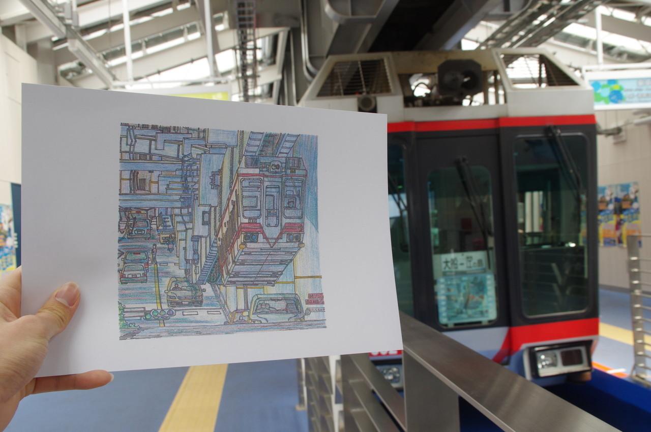 イラスト複製とヘッドマーク付き列車