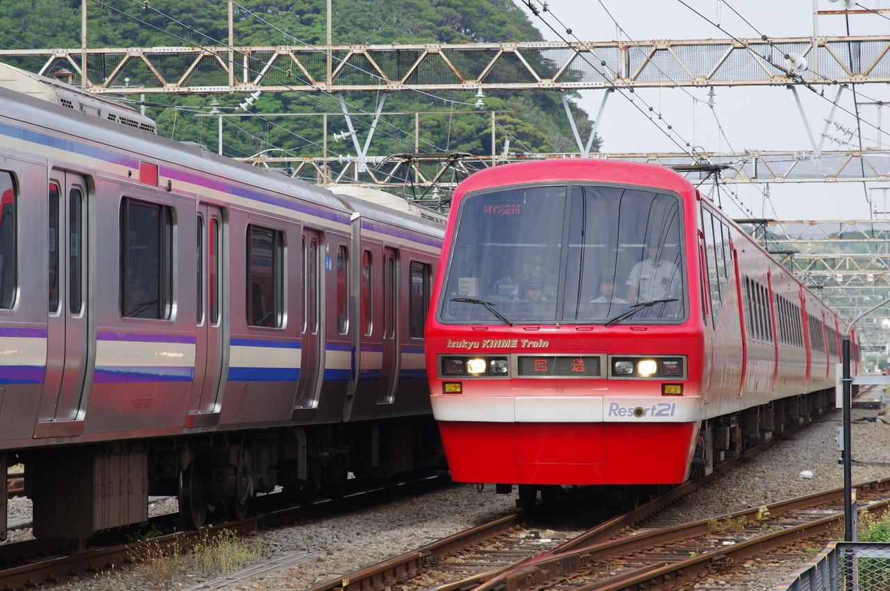 2100系R-3編成(キンメ電車)